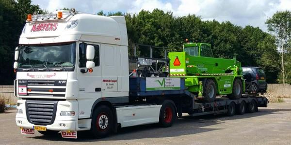 truck met verreiker